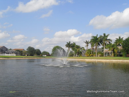 Exploring Grand Isles Wellington Florida: Lake