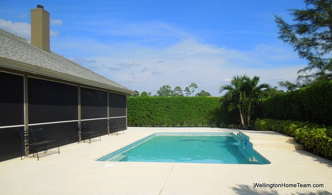 Loxahatchee Pool Home for Sale - 14194 88th Place North, Loxahatchee, Florida 33470