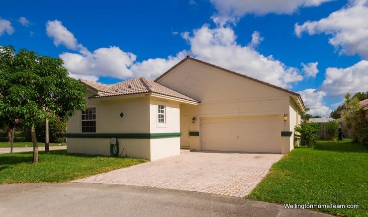 Wellington Lakes Home for Sale in Wellington Florida - 1886 Capeside Circle, Wellington, Florida 33414
