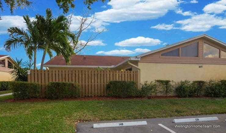 4371 Woodstock Drive #B, West Palm Beach, Florida 33409 - Westchester Townhome for Sale