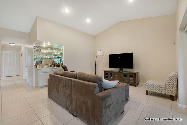 13459 Barberry Drive Wellington Florida 33414 - FAmily Room