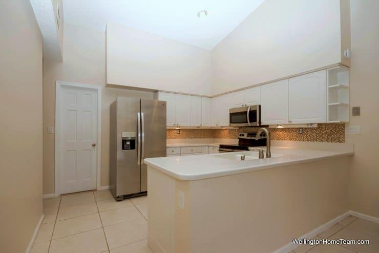 13459 Barberry Drive Wellington Florida 33414 - Kitchen