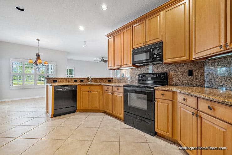 11715 Waterbend Court Wellington Florida 33414 -Kitchen