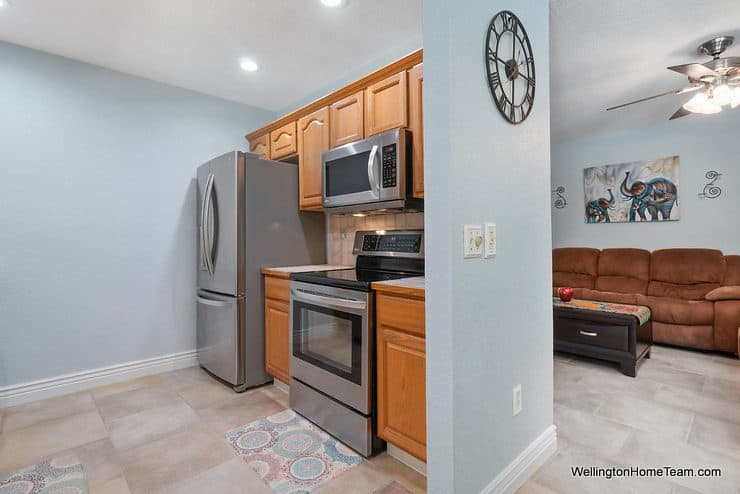 Eastwood Pool Home for Sale in Wellington Florida - 1251 Larch Way - Kitchen