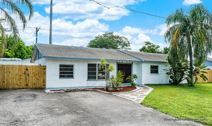 Boynton Beach Florida Pool Home for Sale