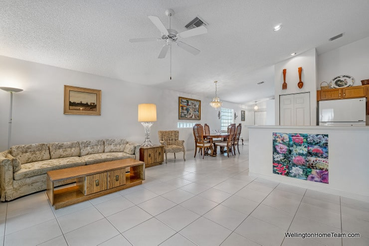 Grand Isles Home for Sale in Wellington Florida - 11477 Beacon Point Lane Family