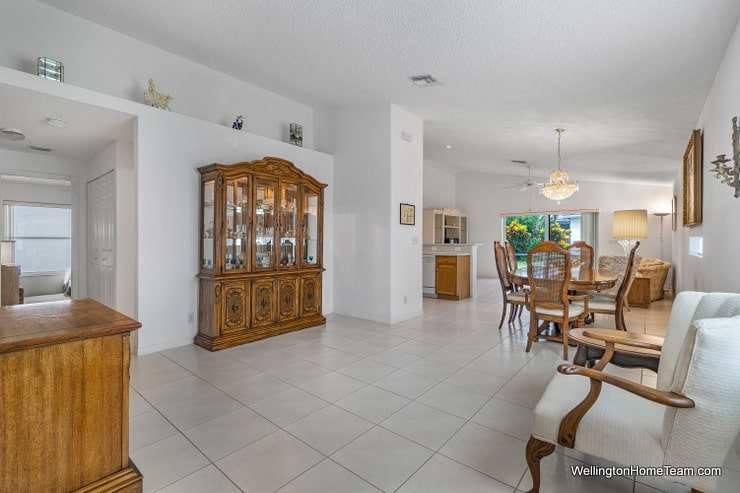 Grand Isles Home for Sale in Wellington Florida - 11477 Beacon Point Lane Living