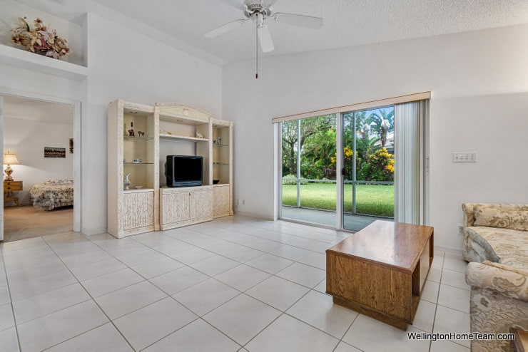 Grand Isles Home for Sale in Wellington Florida - 11477 Beacon Point Lane Patio
